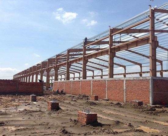 Một dự án Minh Tấn đang thi công nhà thép tiền chế tại Vinh