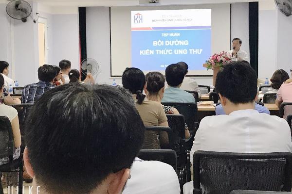 Phòng khám u bướu tại Hà Tĩnh uy tín. Nhân viên của phòng khám thường xuyên được bồi dưỡng kiến thức ung thư