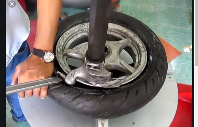 Làm lốp ô tô Đông Hà Quảng Trị mọi nơi mọi lúc.