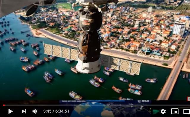 Thành phố Đồng Hới nhìn từ Vũ Trụ