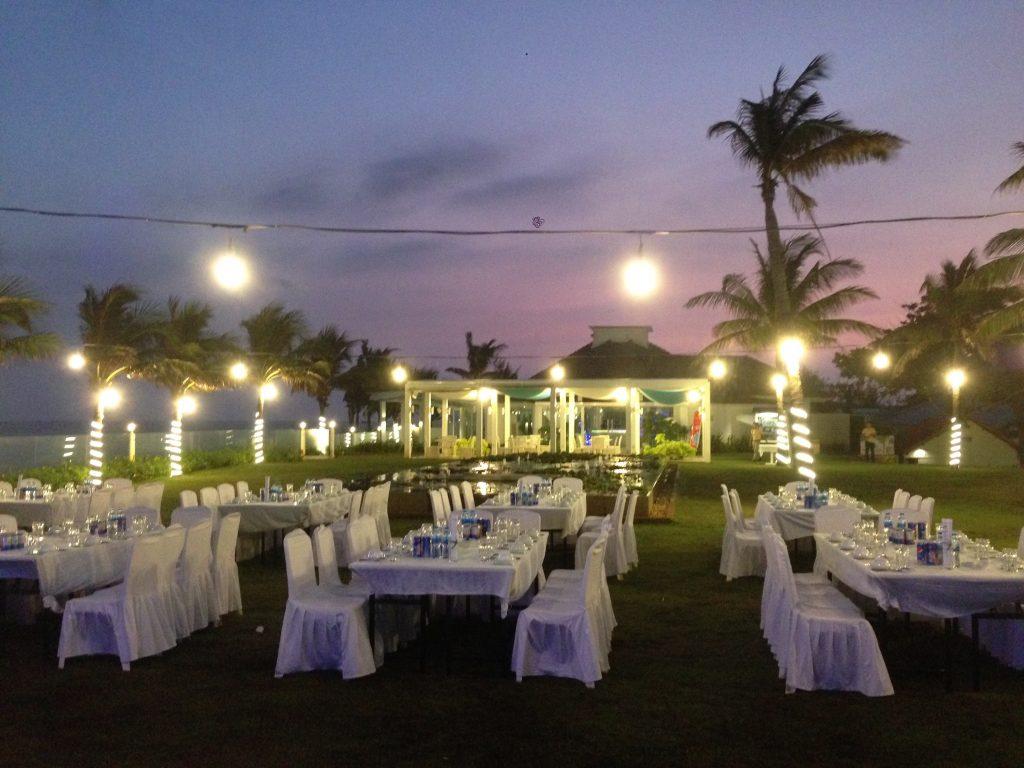 dịch vụ tổ chức đám cưới ở bãi biễn