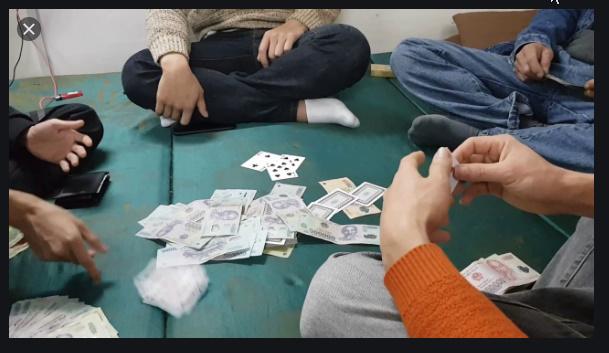 Tôi muốn ly dị chồng cờ bạc, vũ phu nhưng sợ ra đi tay trắng